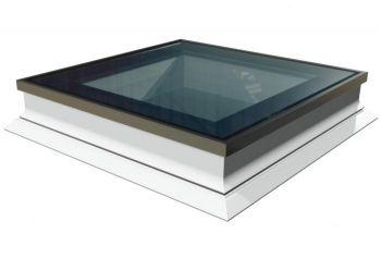Intura platdakraam met HR++ glas 100x100 cm, vlakke lichtkoepel met hoge isolatie waarde.