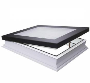 Fakro platdakraam DMG 90x90 cm ventilatie handmatig bediend inclusief bedieningsstok met perfecte isolatie waarde.