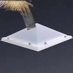 Lichtkoepel piramide enkelwandig polycarbonaat dagmaat 90X150 cm